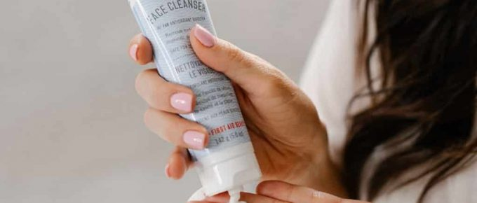 Best Face Wash for Seborrheic Dermatitis
